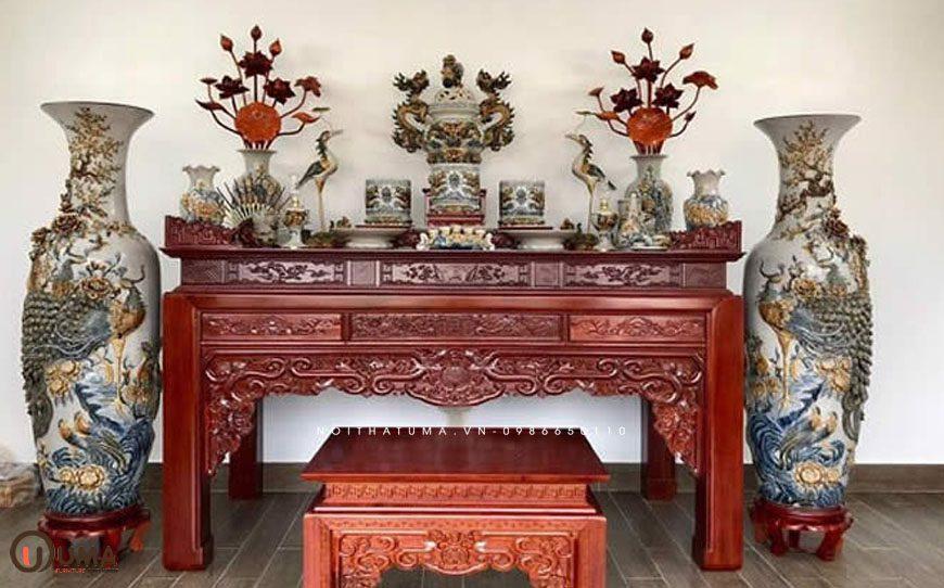 Hướng bàn thờ hợp mệnh cho người sinh năm 2003