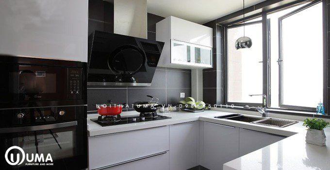 Tủ bếp kết hợp gạch ốp sang trọng
