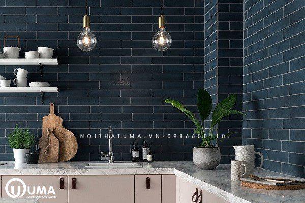Gam màu xanh đá mạnh mẽ, phá cách và cuốn hút của mẫu gạch lát tường bếp khá ấn tượng