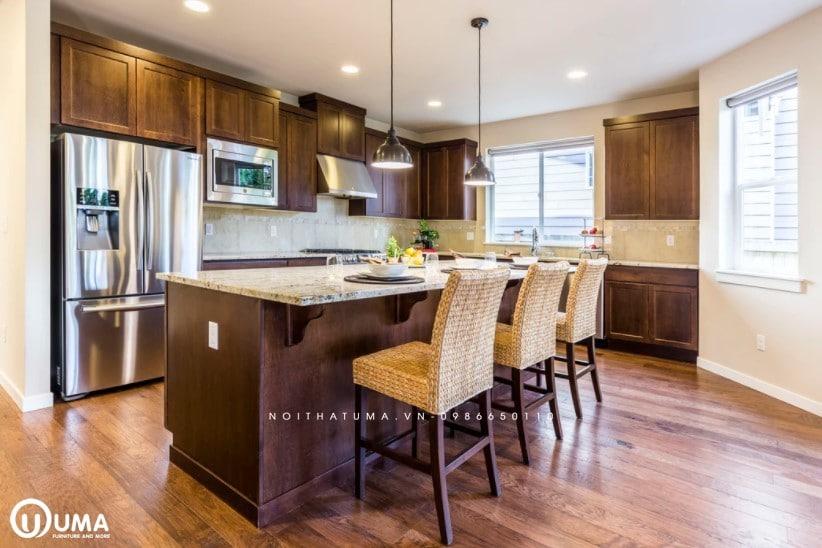Tủ bếp có bàn đảo UMA