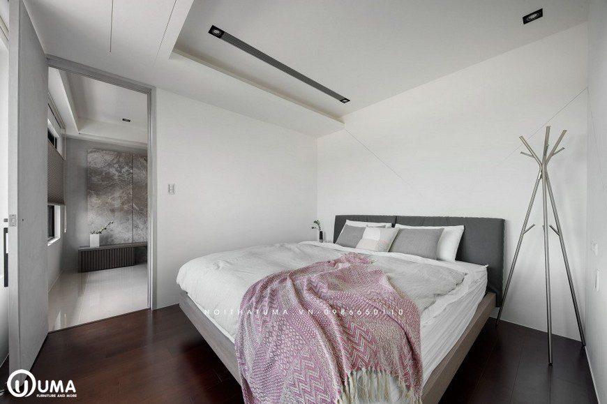 Không gian phòng ngủ với diện tích nhỏ hẹp, nhưng vẫn chưa đựng đầy đủ các tiện ích