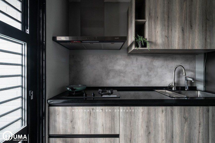 Vẫn sử dụng với gam màu trầm lắng, cổ kính xưa kia cho không gian phòng bếp