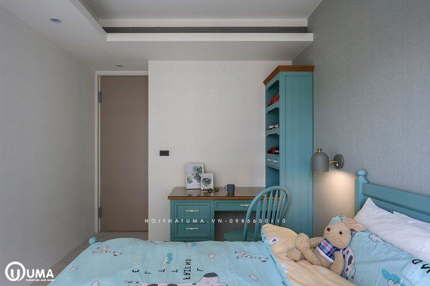 Phòng bé trai, chị Duyên đã lựa chọn với tông màu xanh thể hiện được cá tính của trẻ, khá năng động, sôi nổi