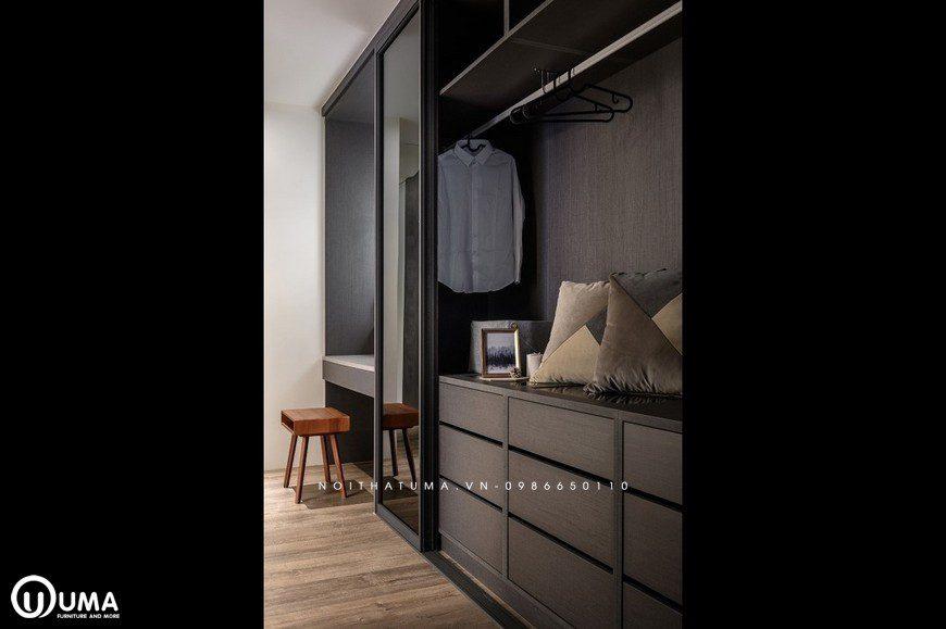 Đi vào phòng thay đồ, cũng được thiết kế khá gọn gàng, chi tiết và đơn giản