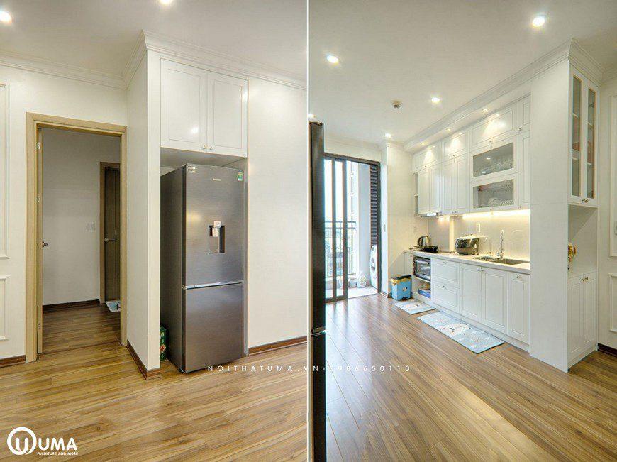 Phòng bếp vẫn lựa chọn với tông màu trắng chủ đạo, kết hợp phong cách thiết kế hoàng gia