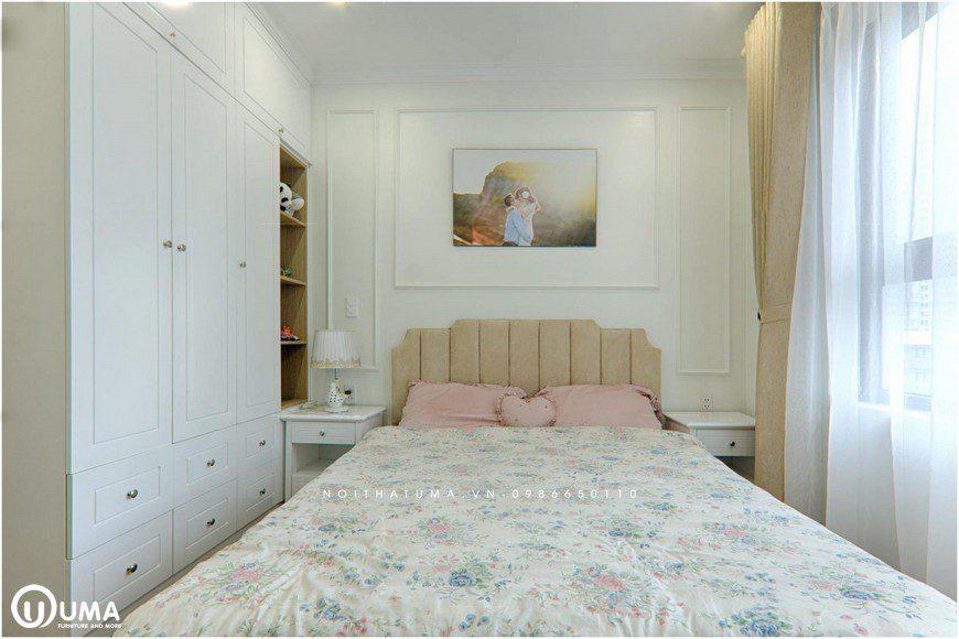 Bước chân đến căn phòng này vẫn bao chùm trong đó với màu trắng hoàng gia của toàn bộ căn hộ