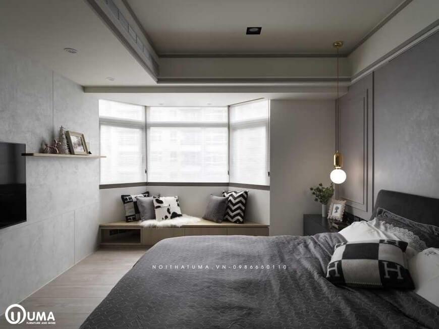 Toàn bộ không gian phòng ngủ được hưởng trọn ánh sáng tự nhiên chiếu vào căn phòng thông qua ô cửa sổ nhỏ.