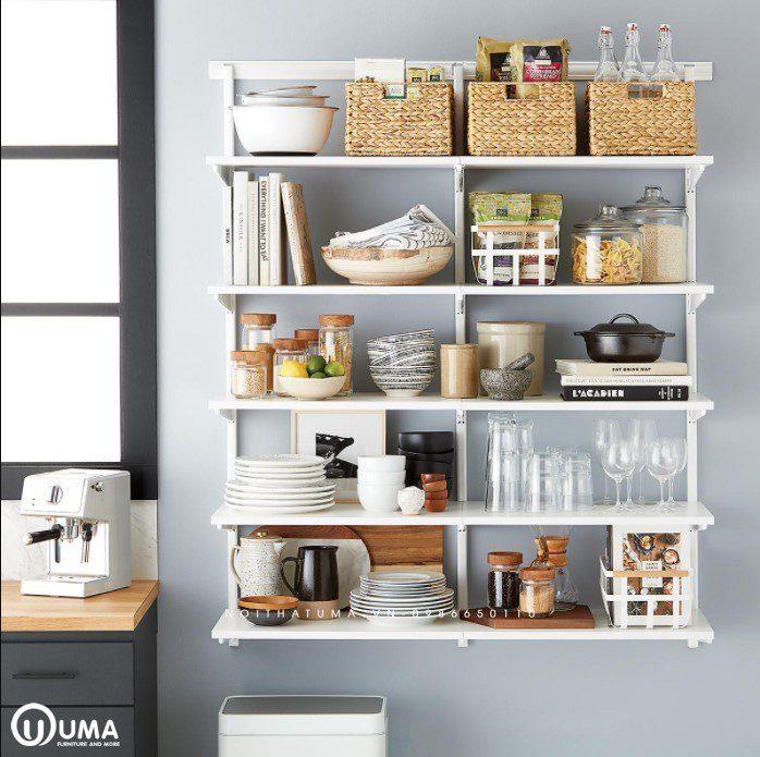 Kệ bếp là nơi để những vật dụng, gia vị đồ ăn