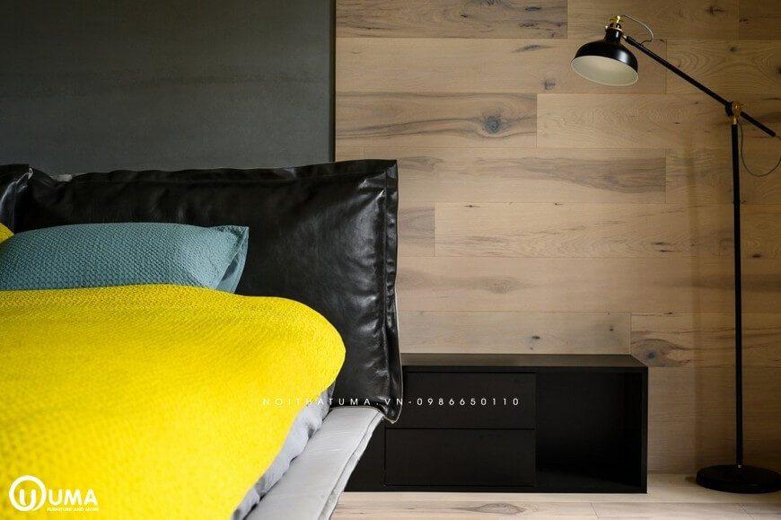 Bên cạnh chiếc giường vẫn là chiếc táp đầu giường được lựa chọn với gỗ MDF cao cấp An Cường