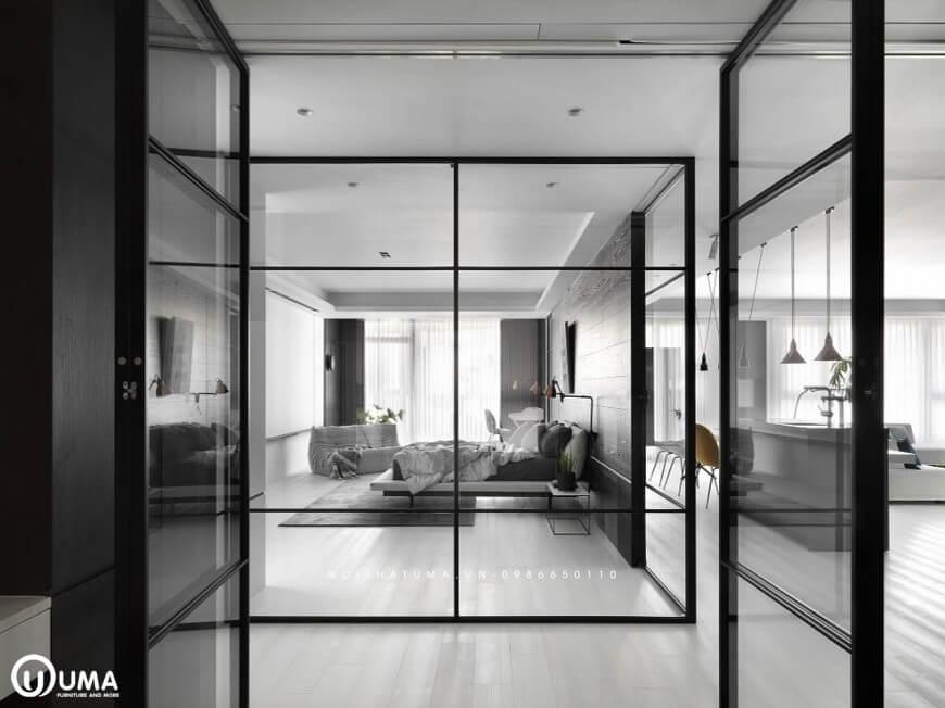 Từ các căn phòng khác đi vào phòng ngủ cũng được ngăn cách bởi cửa kính thông thoáng, thoải mái.