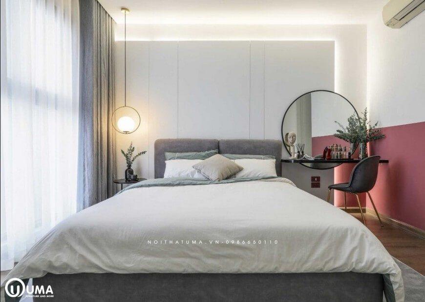 Phòng ngủ với màu hồng được tạo ra tại các chân tường mang lại một sắc thái trẻ trung và năng động