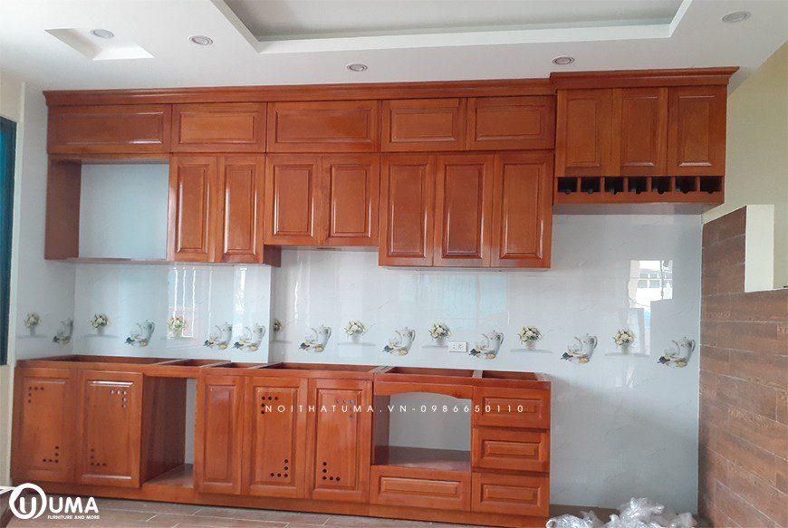 Mẫu tủ bếp gỗ tự nhiên Gõ Đỏ Thanh Trì