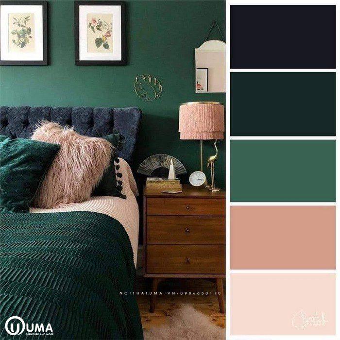 Phòng ngủ, với đồ nội thất hoàn toàn màu xanh lam, với một số điểm nhấn là màu hồng.