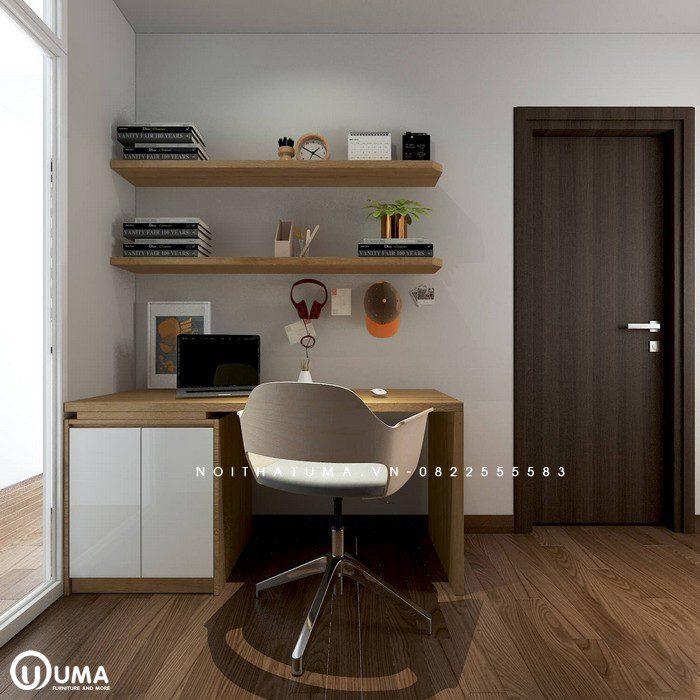 Phòng làm việc cũng được thiết kế khá nhỏ gọn bên lối cửa ra vào ban công.