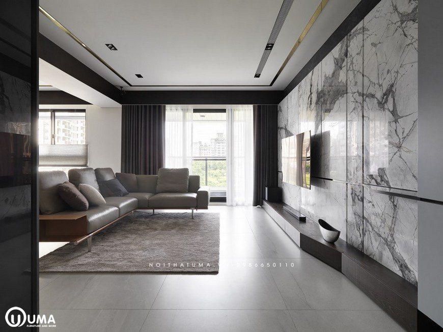 Không gian phòng khách được trang bị cho mình với tấm thảm lụa khá đặc sắc, trải dưới sàn nhà