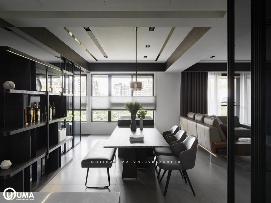 Toàn bộ không gian được hưởng trọn với sánh sáng tự nhiên chiếu vào căn phòng thông qua cửa sổ nhỏ.