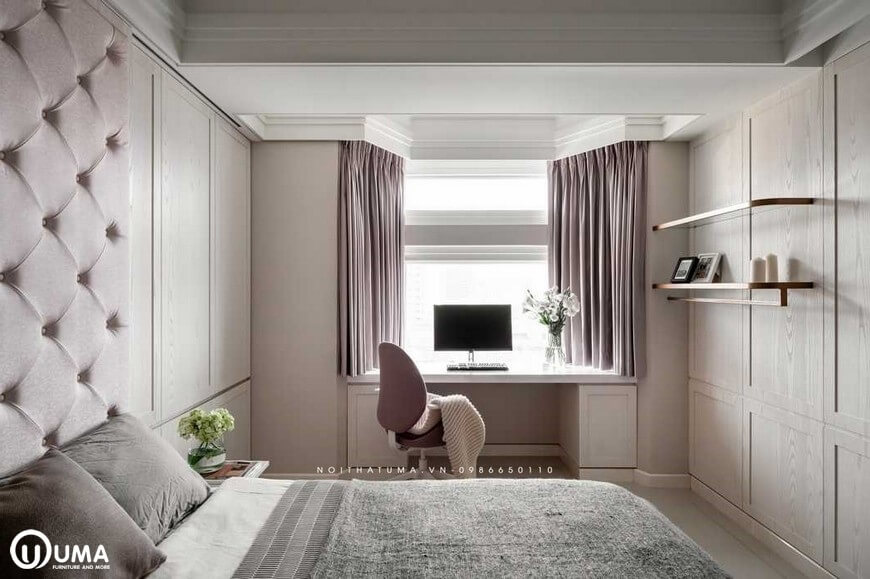 Bên cạnh đó với các thiết bị về bàn làm việc, hay tủ để đồ được thiết kế khá ngăn lắp và gọn gàng trong căn phòng.